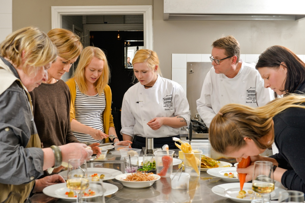 WEB_chefs_table_3